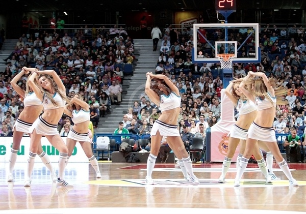Cheerleaders Real Madrid - EB12-13