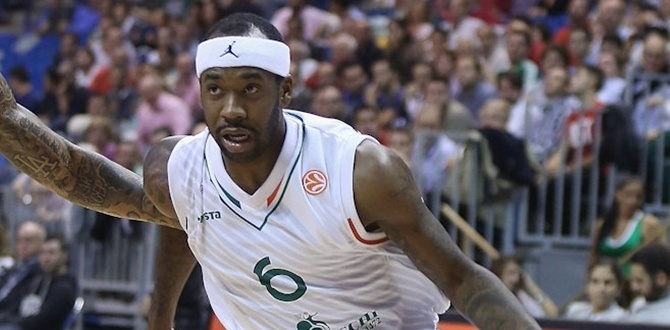 Siena's Brown ties Euroleague's all-time scoring mark with 41 points!