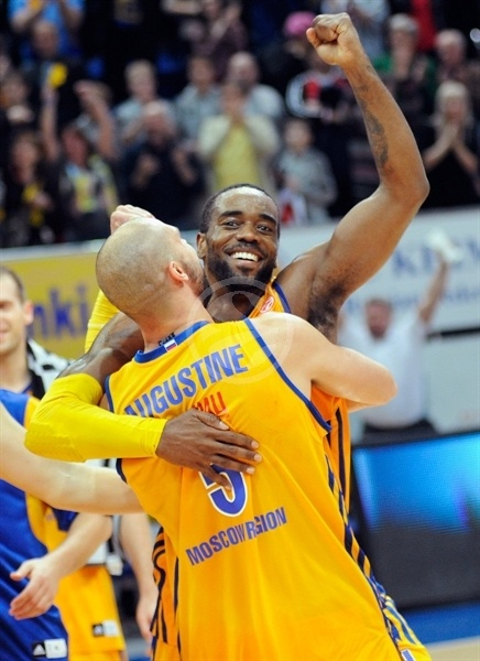 Kelvin Rivers - BC Khimki celebrates - EB12