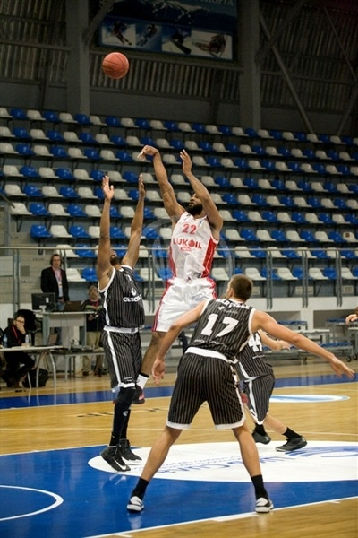 Darryl Watkins - Lukoil Academic - EC12 (photo Lukoil Academic)