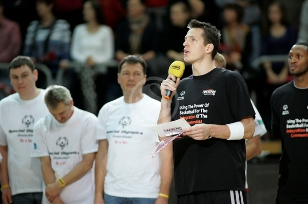 Casey Jacobsen - Special Olympics - Brose Baskets - EB12