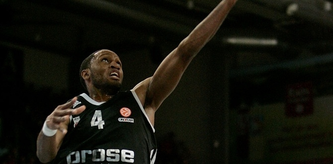 Brose Baskets releases Gipson