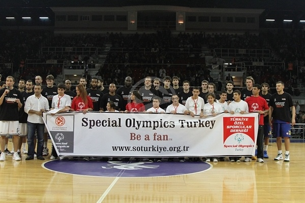 Special Olympics - Besiktas JK Istanbul vs. FC Barcelona Regal