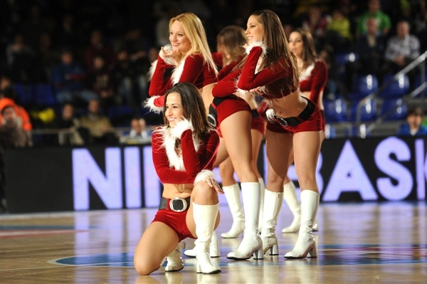 FC Barcelona Regal cheerleaders - EB12