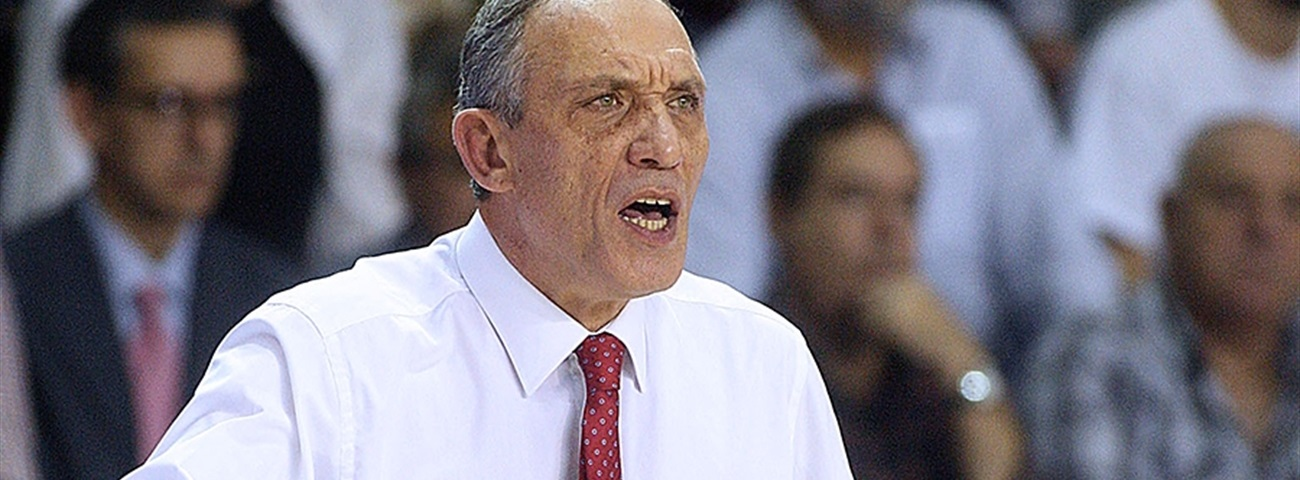 Galatasaray brings back coach Kunter
