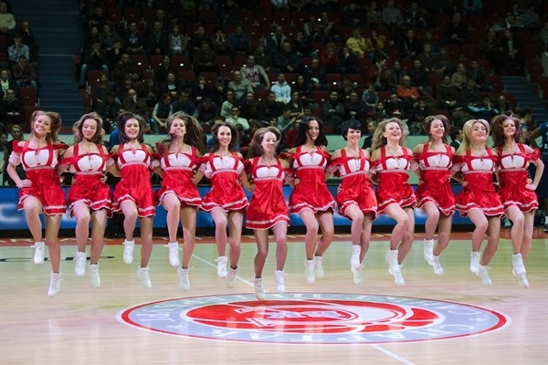 Spartak St. Petersburg cheerleaders - EC12 (photo Spartak SPB)