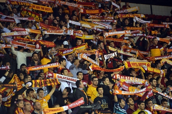 Galatasaray Medical Park fans - EC12 (photo galatasaray.org - Tuncay SEN)