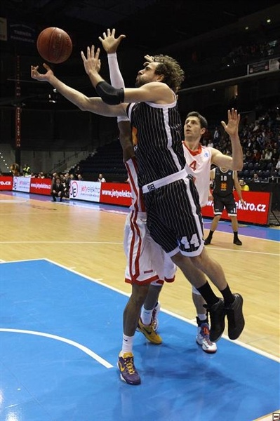 Roger Grimau - Uxue Bilbao - EC12 (photo basket-nymburk.cz)