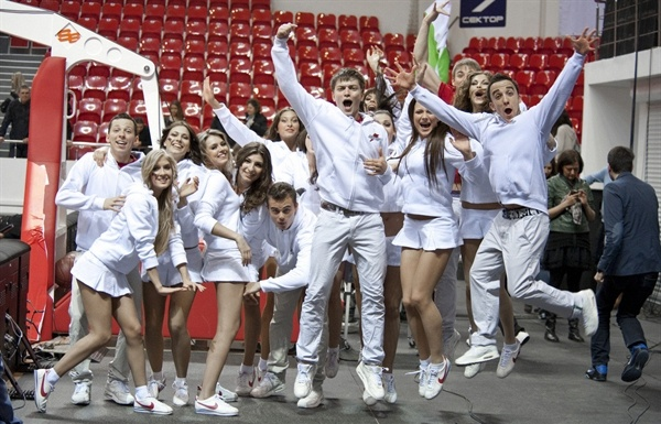 Lokomotiv Kuban dance team - EC12 (photo lokobasket.com)