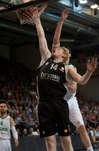 Philipp Neumann - Brose Baskets - EB12