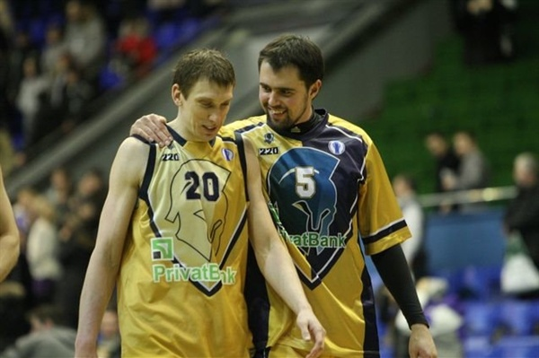 Dainius Salenga and Viktor Herasymchuk - Budivelnik Kiev - EC12 (photo budivelnyk.ua)