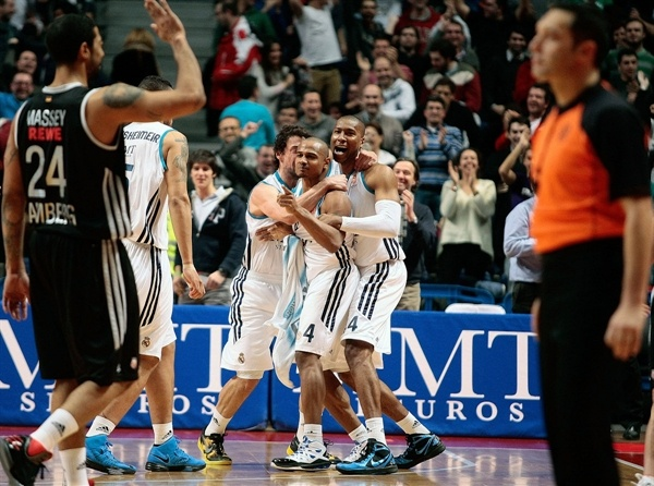 Dontaye Draper - Real Madrid celebrates - EB12