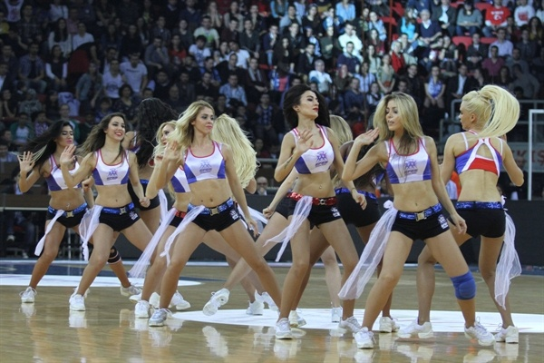 Anadolu Efes Cheerleaders - EB12