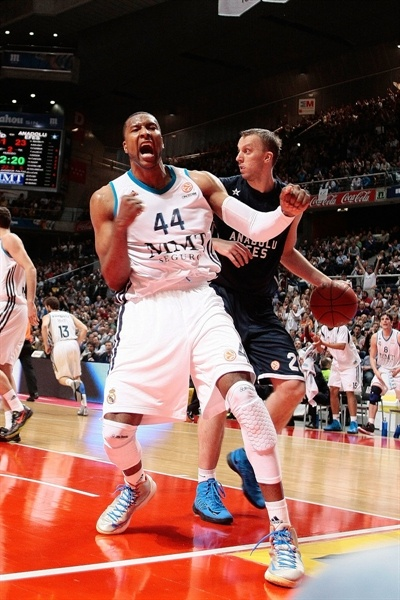 Marcus Slaughter celebrates - Real Madrid - EB12