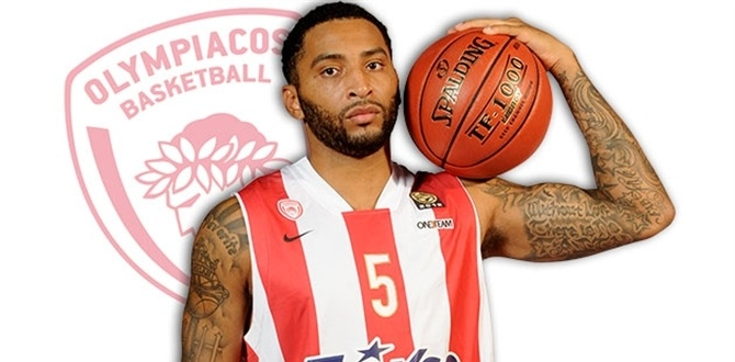 Profiles: Acie Law, an ambidextrous general for Olympiacos