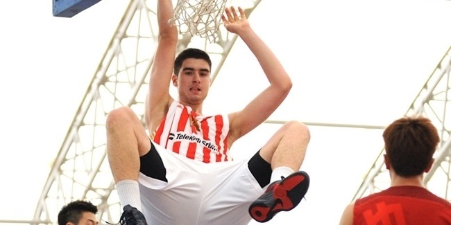 Zvezda brings back big man Ristic
