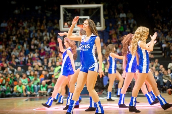 Efes Pilsener cheerleaders - Final Four London 2013