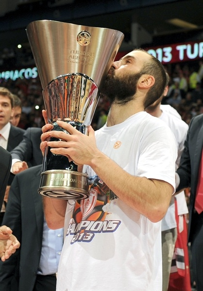 Vassilis Spanoulis - Olympiacos Piraeus repeat champ - Final Four London 2013