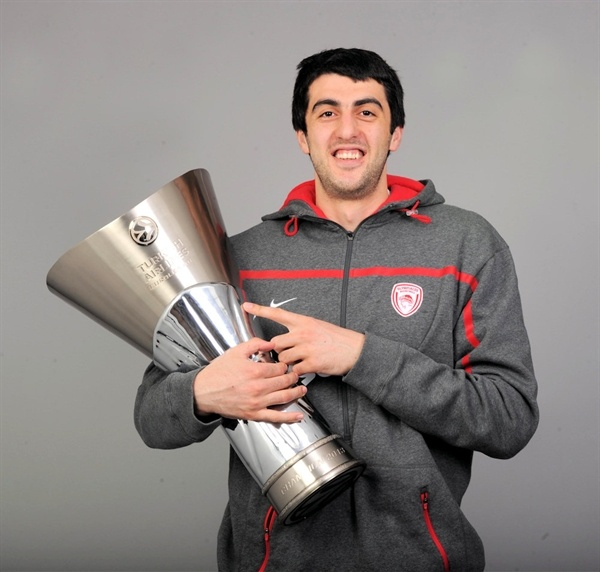 Giorgi Shermadini - Olympiacos Piraeus champ - Final Four London 2013