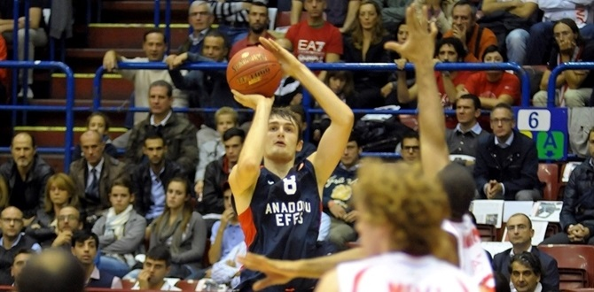 Batuk out for Anadolu Efes til 2015