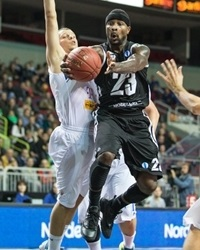 Dee Brown - VEF Riga EC13 (photo VEF Mikus Klavins)