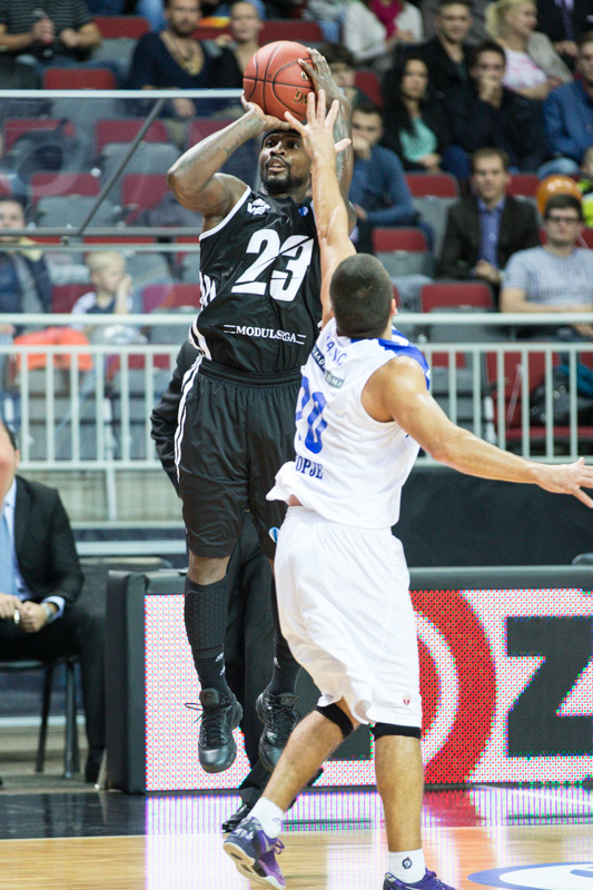 Dee Brown - VEF Riga EC13 (photo VEF Riga - Mikus Klavins)
