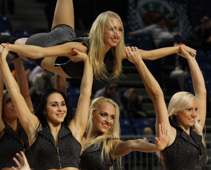 Kalev Cramo Tallinn cheerleaders - EC13 (photo Kalev Cramo)