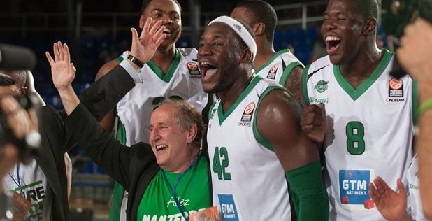 JSF Nanterre celebrates in Barcelona - EB13