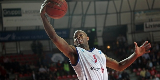 Neptunas, Daniel Ewing agree
