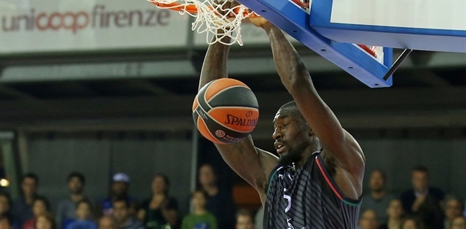 Olympiacos brings in rebounder Hunter