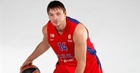 CSKA Moscow re-signs Zozulin