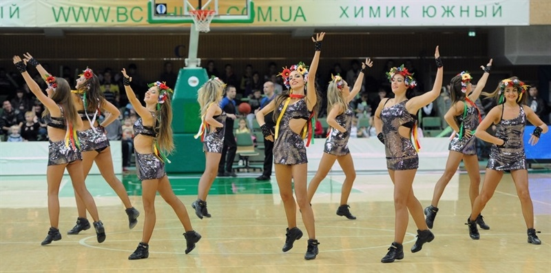 Khimik Yuzhne cheerleaders - EC13 (photo Khimik)