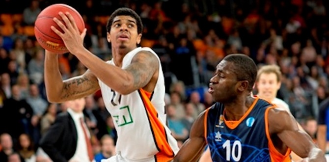 Sassari adds scorer Sosa, big man Todic
