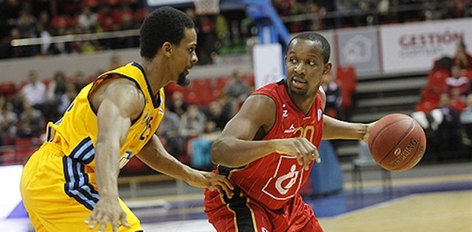 Alba Berlin adds Tabu at point