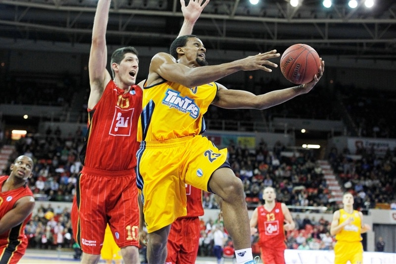 Cliff Hammonds - Alba Berlin - EC13 (photo Basket Zaragoza - Esther Casas)