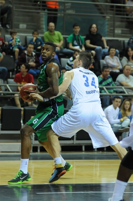 Donta Smith - Maccabi Haifa Bazan - EC13 (photo Maccabi Haifa - Omri Shtain)