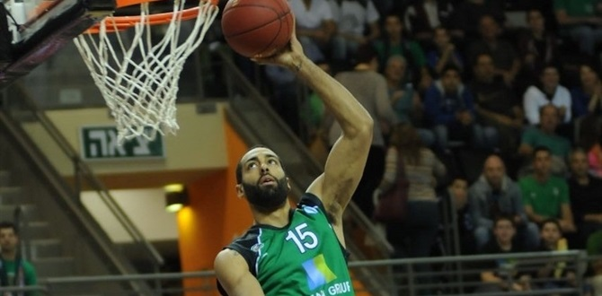 Maccabi signs forward Randle for two years