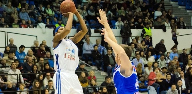 CSU Asesoft re-signs Mohammed