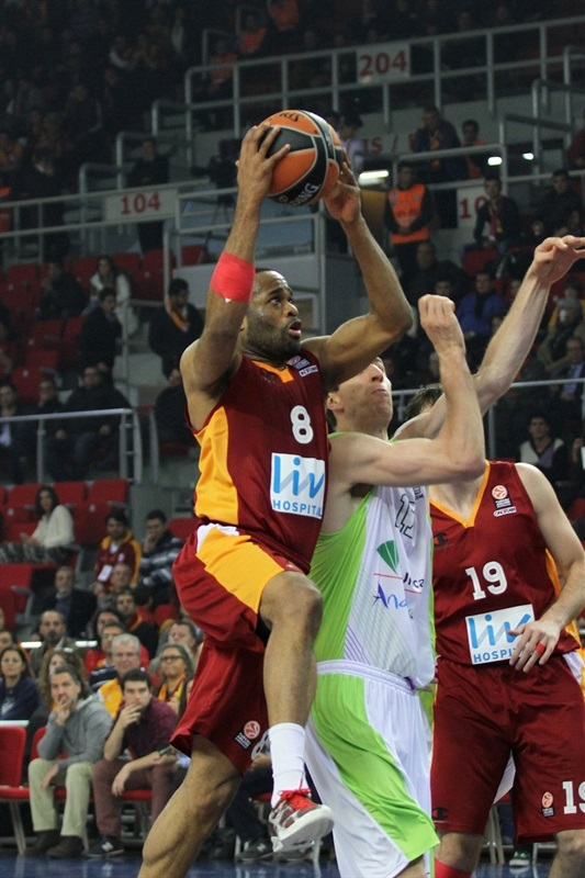 Malik Hairston - Galatasaray Liv Hospital - EB13