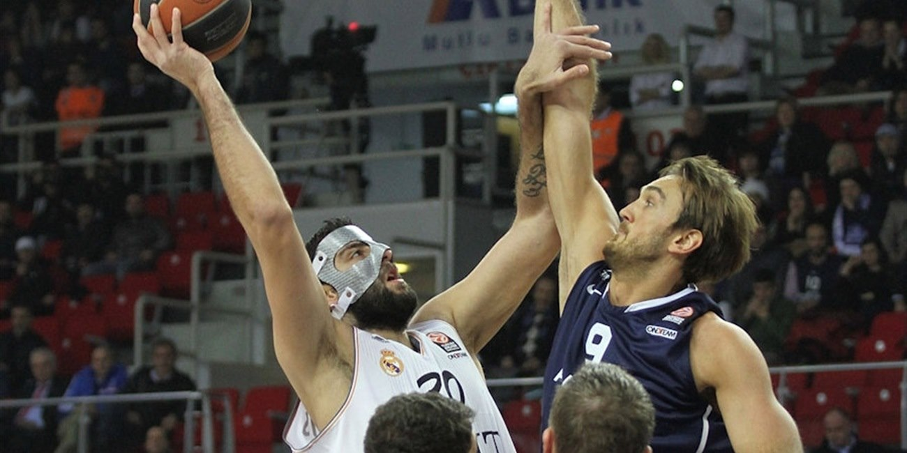Ioannis Bourousis - Real Madrid - EB13_53014