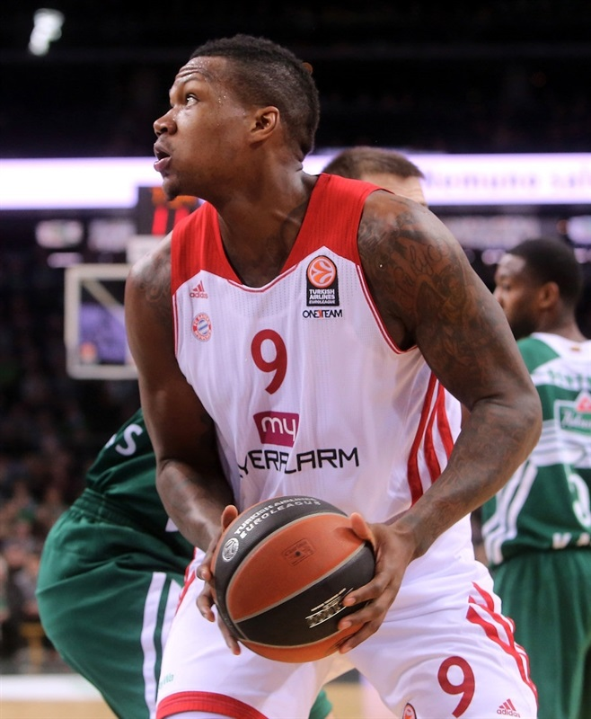 Deon Thompson - FC Bayern Munich - EB13