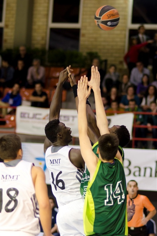 Wally Niang - Real Madrid - JT Hospitalet - EB13 (photo Marta Forne Sala)