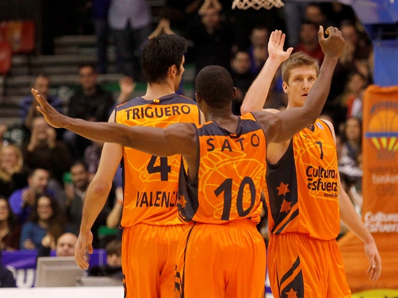 Justin Doellman - Valencia Basket celebrates - EC13 (photo Miguel Angel Polo - Valencia Basket)