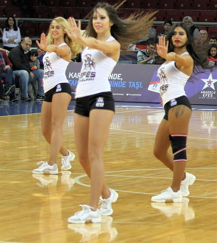 Anadolu Efes cheerleaders - EB13