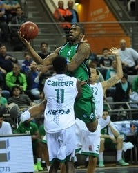 Donta Smith - Maccabi Haifa - EC13 (photo Maccabi Haifa - Asaf Malka)