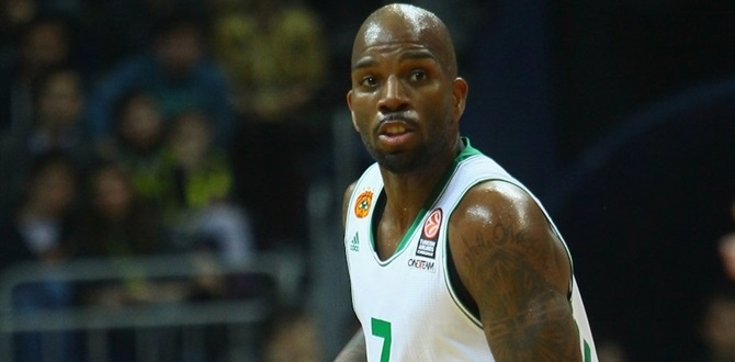 Panathinaikos: Curry out one month