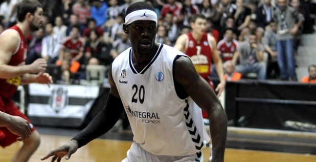 Doron Perkins - Besiktas Integral Forex - EC13 (photo Besiktas)_54038