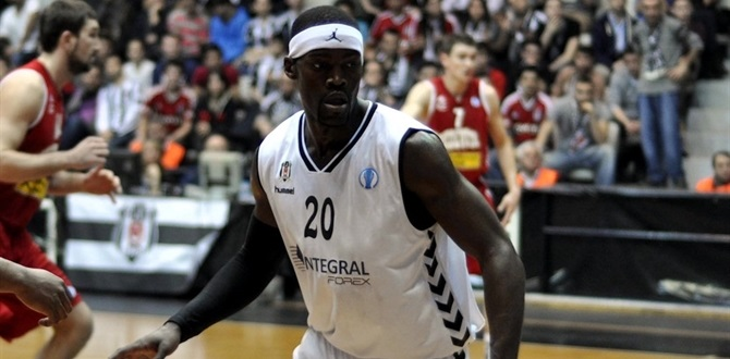 Laboral Kutxa inks playmaker Perkins