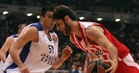 Anadolu Efes signs three-time champion Perperoglou