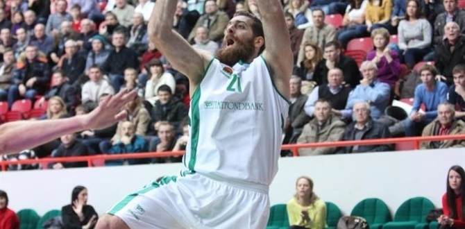 Unics extends versatile forward Kaimakoglou